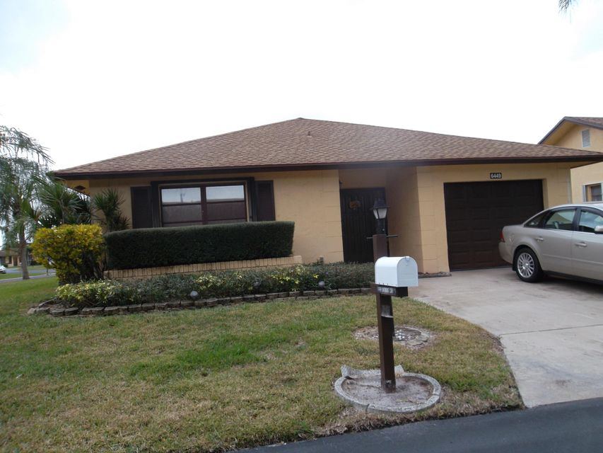 Single Family Home for Rent at 6449 Lakemont Circle 6449 Lakemont Circle Lake Worth, Florida 33463 United States