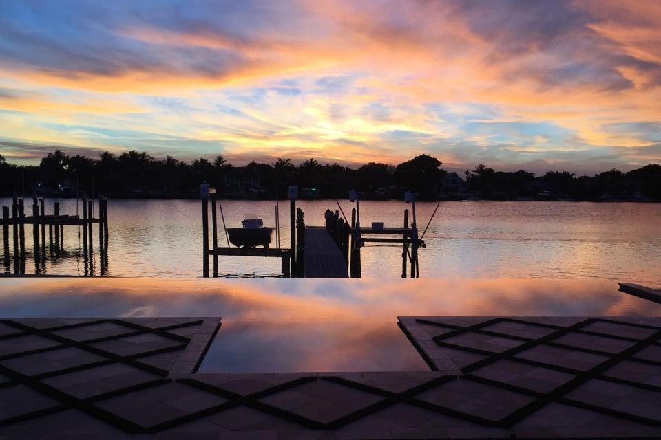 Частный односемейный дом для того Продажа на 316 W Riverside Drive 316 W Riverside Drive Jupiter, Флорида 33469 Соединенные Штаты