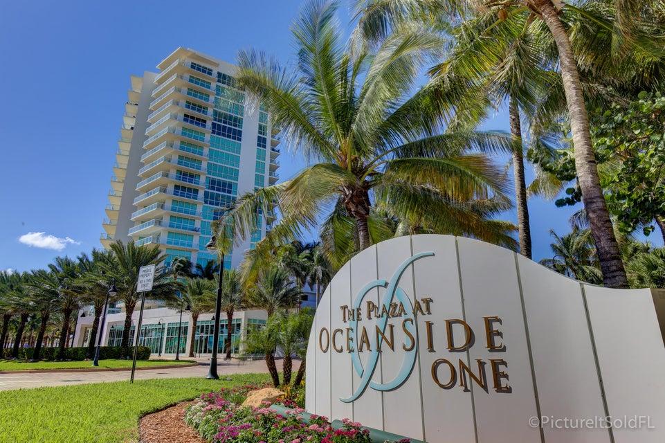 共管式独立产权公寓 为 销售 在 1 N Ocean Boulevard # 206 1 N Ocean Boulevard # 206 波姆庞帕诺滩, 佛罗里达州 33062 美国