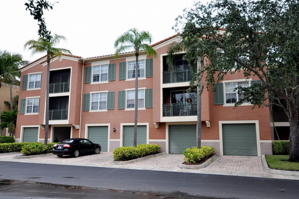 11790 St Andrews Place 105  Wellington, FL 33414