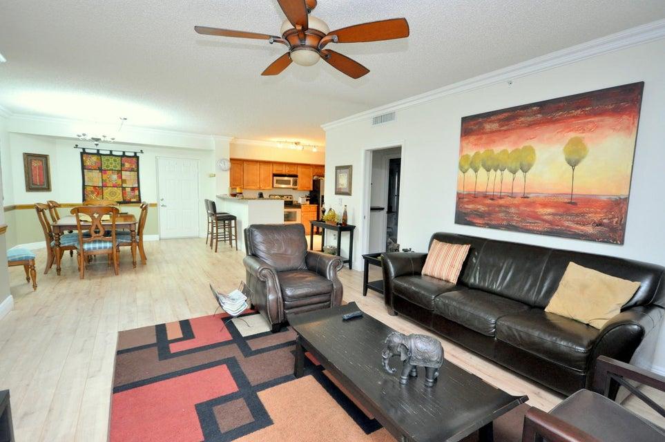 11790 St Andrews Place 105 Wellington, FL 33414 photo 4