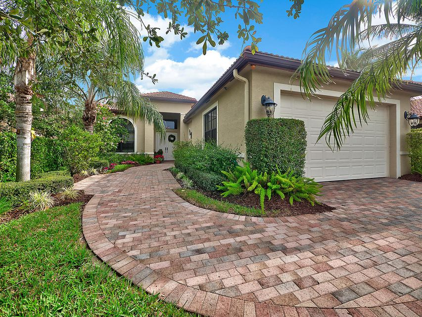 6590 Sparrow Hawk Drive  West Palm Beach FL 33412