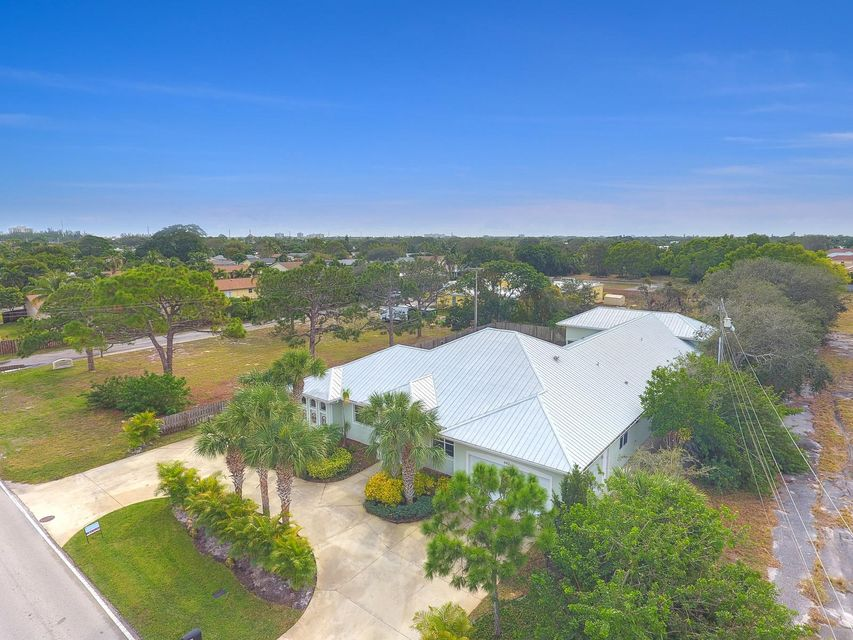 Single Family Home for Sale at 4412 County Line Road 4412 County Line Road Tequesta, Florida 33469 United States