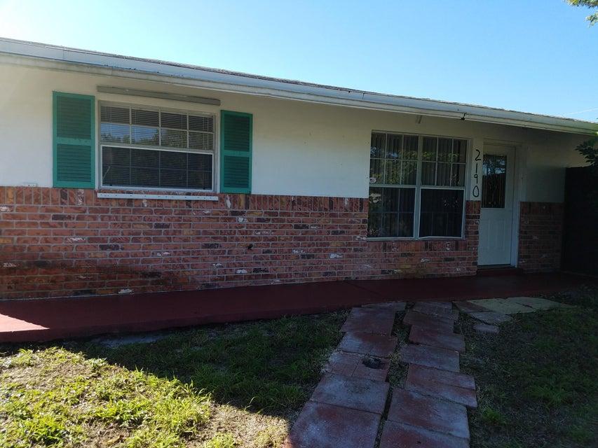 Villa por un Venta en 2190 NE Rustic Way 2190 NE Rustic Way Jensen Beach, Florida 34957 Estados Unidos