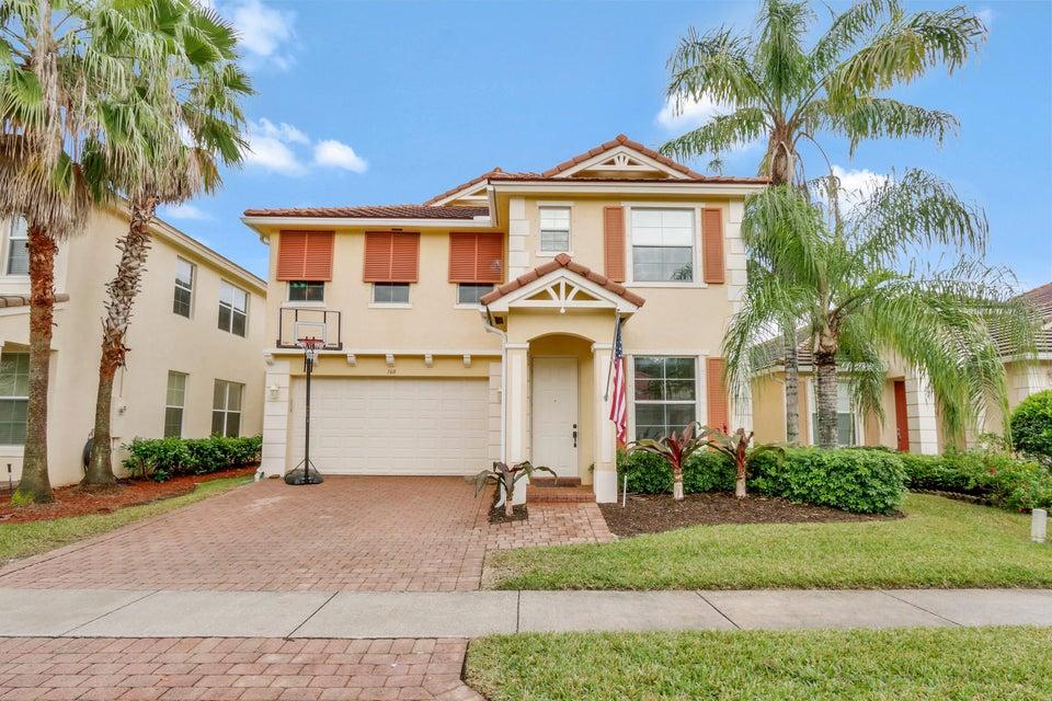 160 Belle Grove Lane  Royal Palm Beach, FL 33411