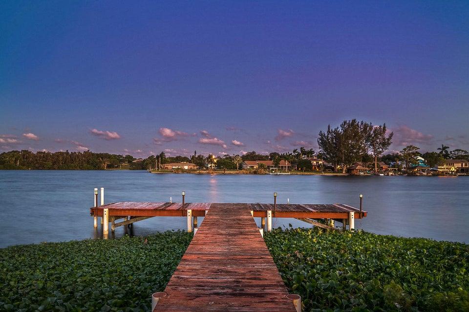 6524 Eastview Drive  Lake Worth, FL 33462