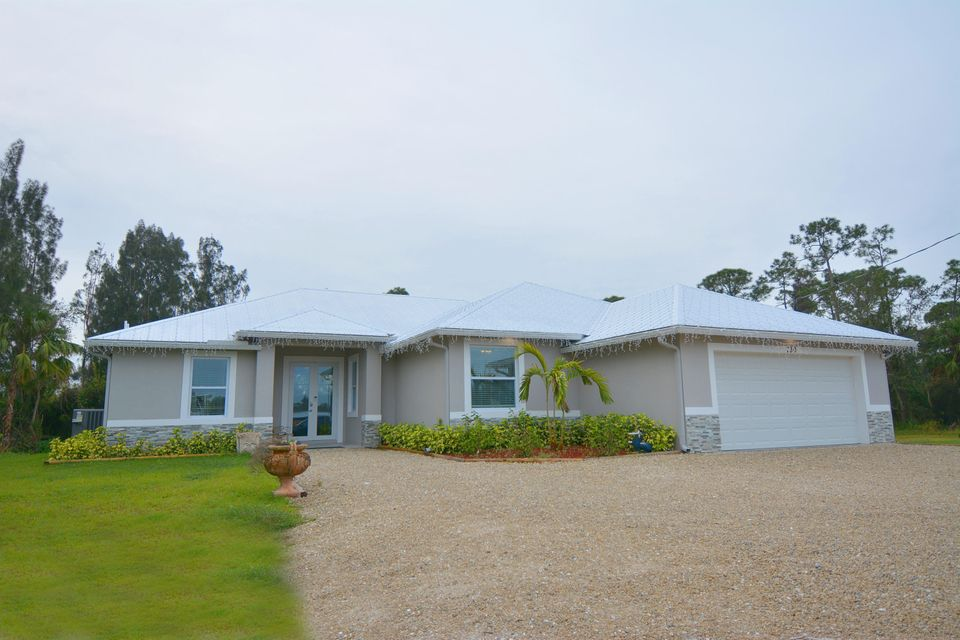 Single Family Home for Sale at 730 SE Salerno Road 730 SE Salerno Road Stuart, Florida 34997 United States