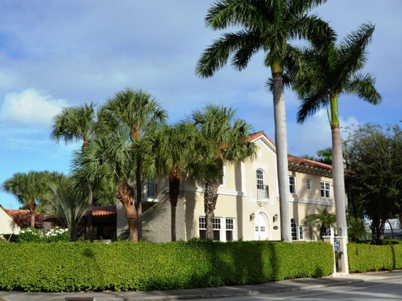 Single Family Home for Rent at 3201 N Flagler Drive 3201 N Flagler Drive West Palm Beach, Florida 33407 United States