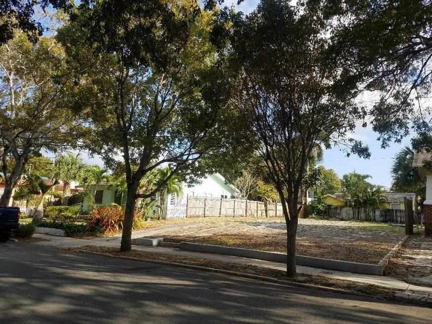 716 New York Street  West Palm Beach, FL 33401
