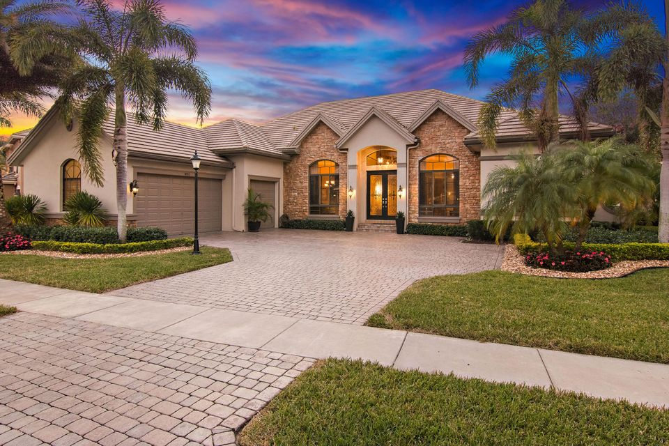 Single Family Home for Sale at 10763 Versailles Boulevard 10763 Versailles Boulevard Wellington, Florida 33449 United States