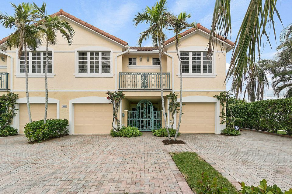Townhouse for Sale at 336 Venetian Drive # 4 336 Venetian Drive # 4 Delray Beach, Florida 33483 United States