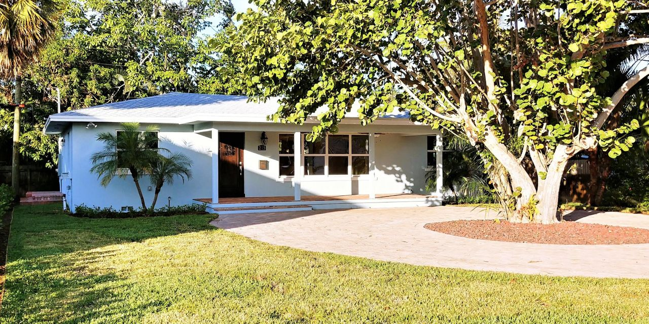 215 Wenonah Place West Palm Beach, FL 33405