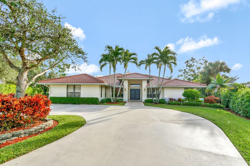 Home for sale in MEADOW WOOD OF THE LANDINGS AT WELLINGTO Wellington Florida