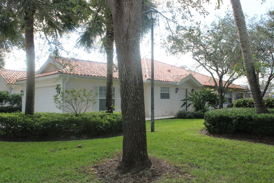 7186 Grassy Bay Drive West Palm Beach, FL 33411 photo 2