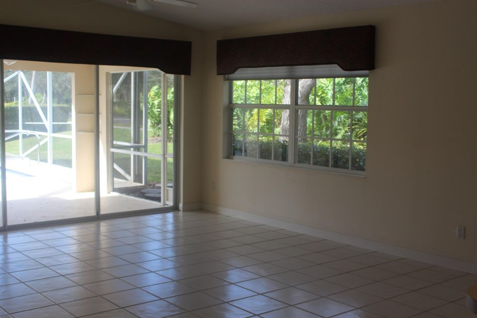7186 Grassy Bay Drive West Palm Beach, FL 33411 photo 5