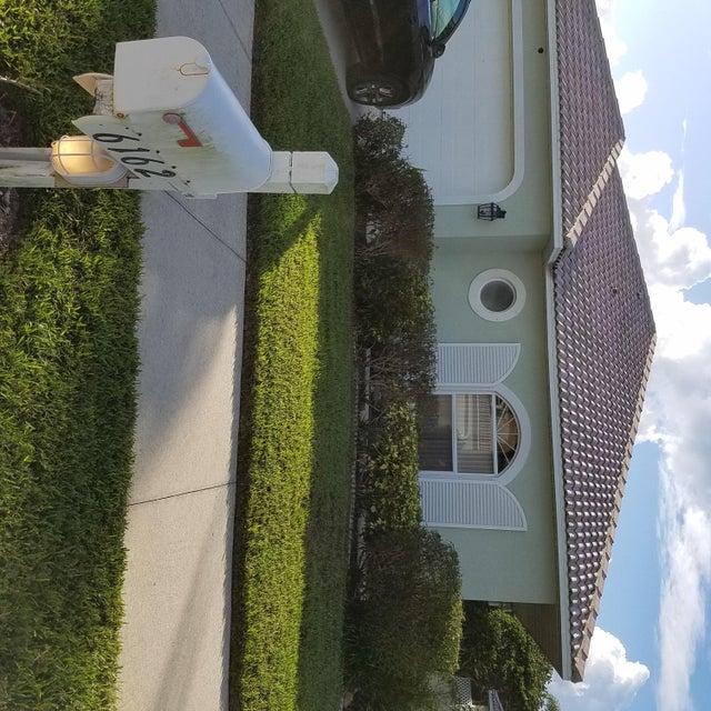 Single Family Home for Sale at 6162 SE Windsong Lane Stuart, Florida 34997 United States