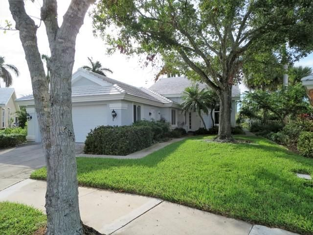2339 Cypress Tree Circle  West Palm Beach, FL 33409