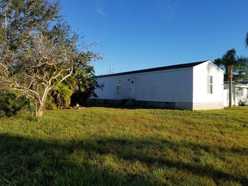 Additional photo for property listing at 2789 SE Holly Street 2789 SE Holly Street Stuart, Florida 34997 United States