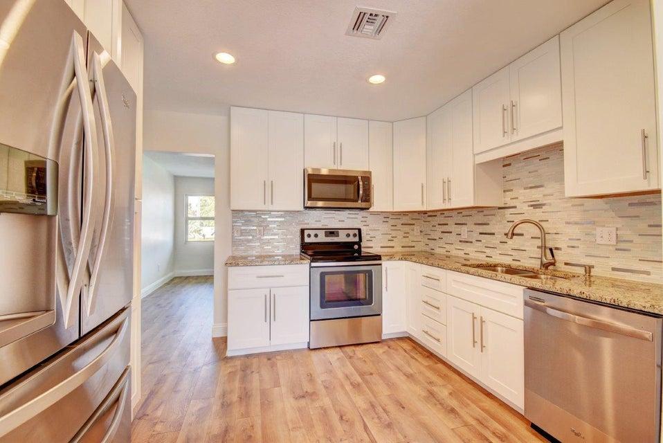 422 W Ocean Avenue  Lantana FL 33462