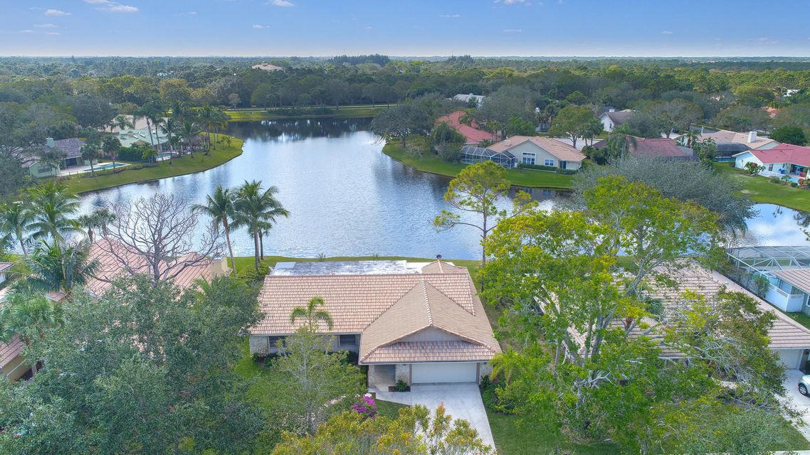 18619 Lake Bend Drive  Jupiter FL 33458