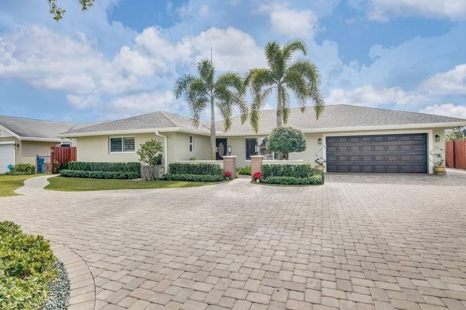 132 Sandpiper Avenue Royal Palm Beach, FL 33411 small photo 1