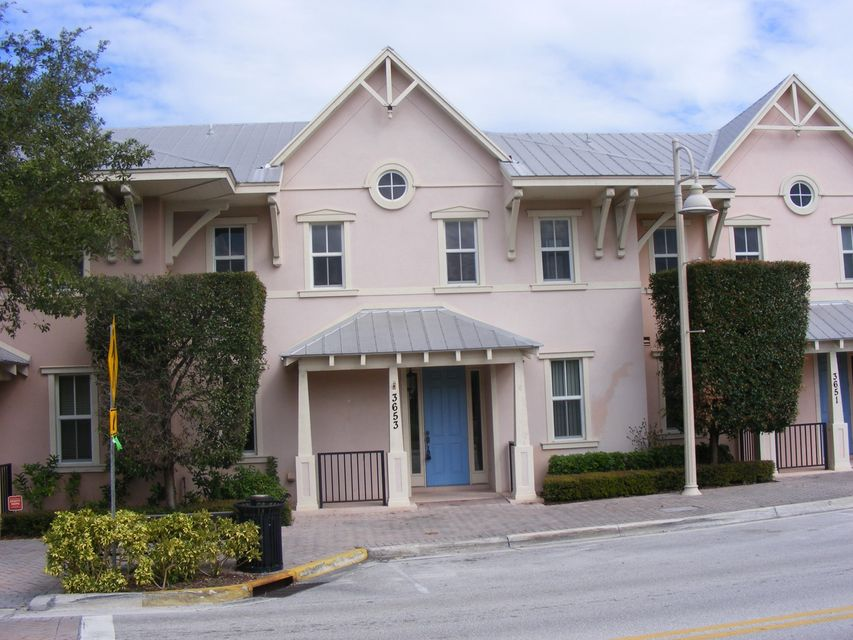 Casa unifamiliar adosada (Townhouse) por un Venta en 3655 NE Pineapple Avenue 3655 NE Pineapple Avenue Jensen Beach, Florida 34957 Estados Unidos