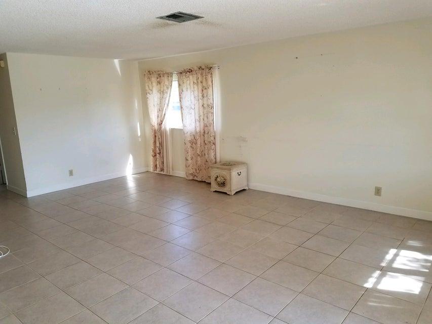 5431 Janice Lane West Palm Beach, FL 33417 photo 9