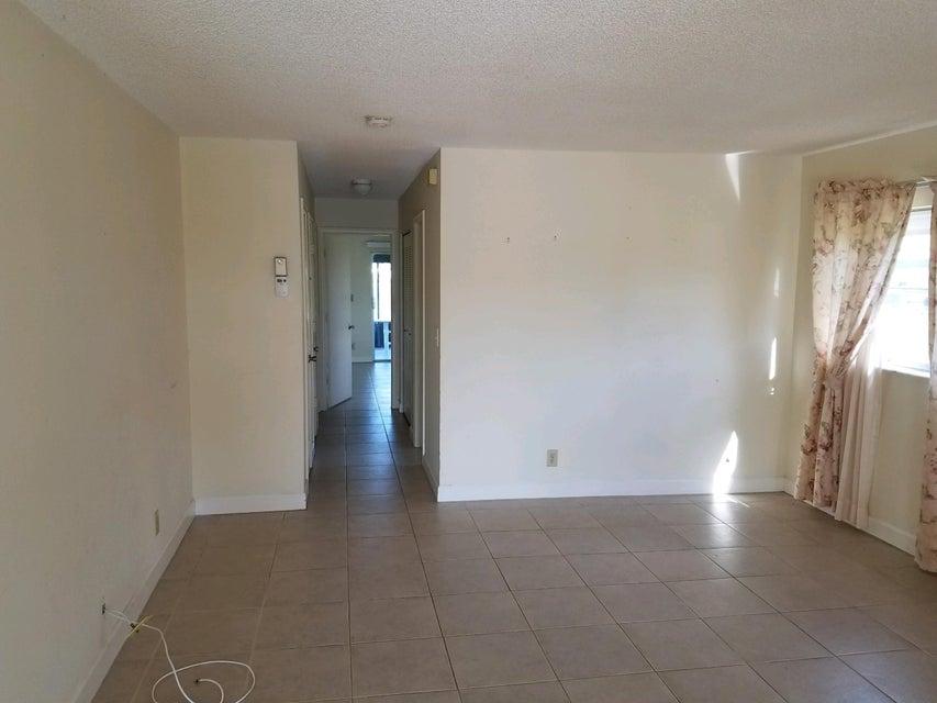 5431 Janice Lane West Palm Beach, FL 33417 photo 10