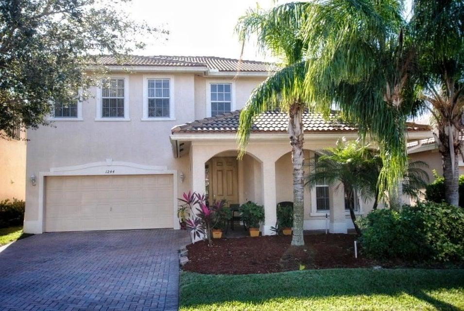 Casa Unifamiliar por un Venta en 1244 SE Kirk Street 1244 SE Kirk Street Stuart, Florida 34997 Estados Unidos