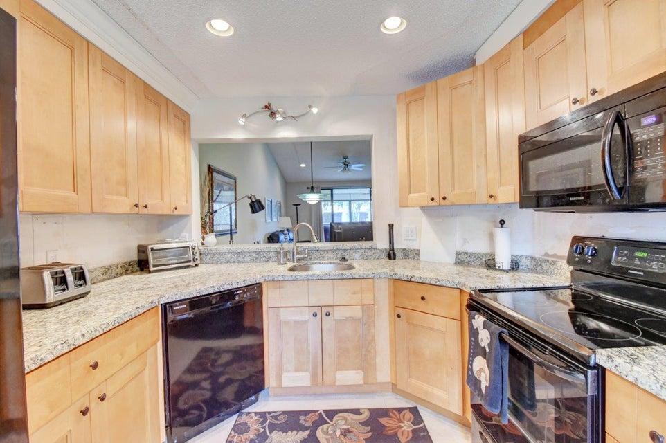 Condominium for Sale at 7521 Glendevon Lane # 707 7521 Glendevon Lane # 707 Delray Beach, Florida 33446 United States