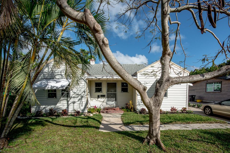 837 Ardmore Road  West Palm Beach, FL 33401