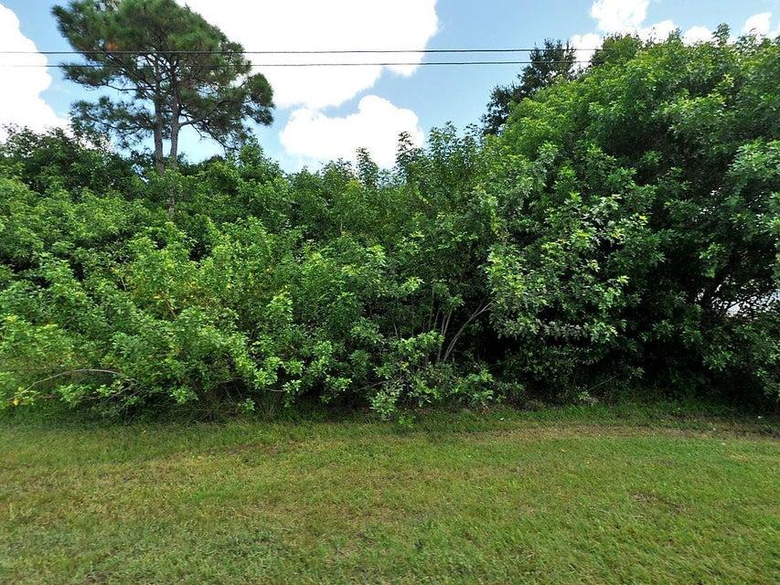 Single Family Home for Sale at 3249 SW Rosser Boulevard 3249 SW Rosser Boulevard Port St. Lucie, Florida 34953 United States