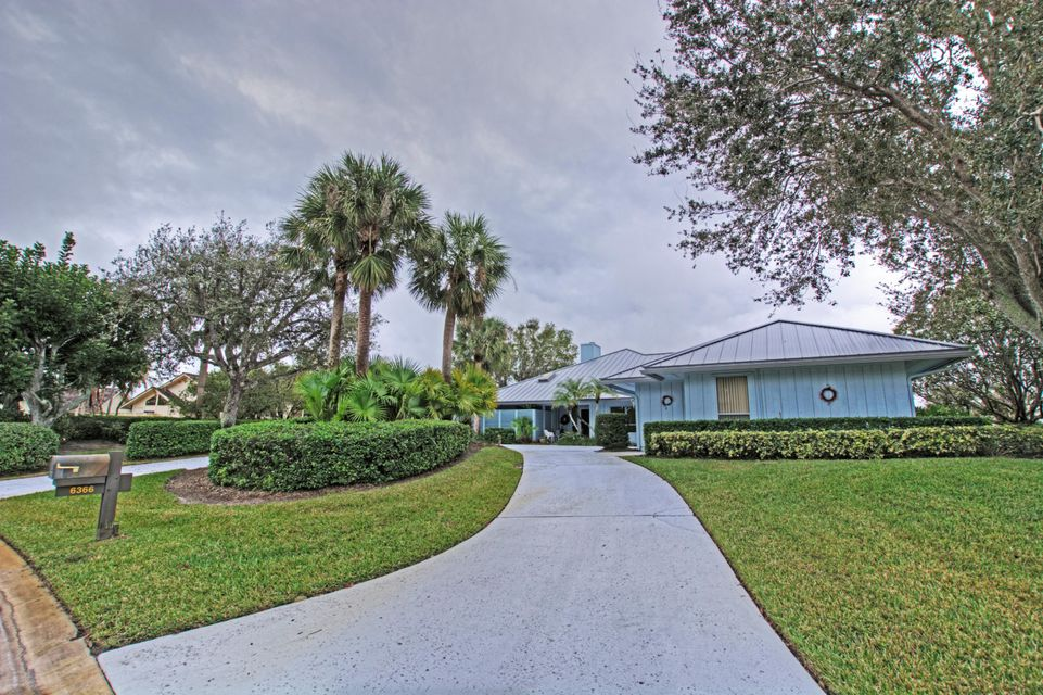 6366 Oakmont Place Stuart,Florida 34997,3 Bedrooms Bedrooms,2.1 BathroomsBathrooms,A,Oakmont,RX-10396565