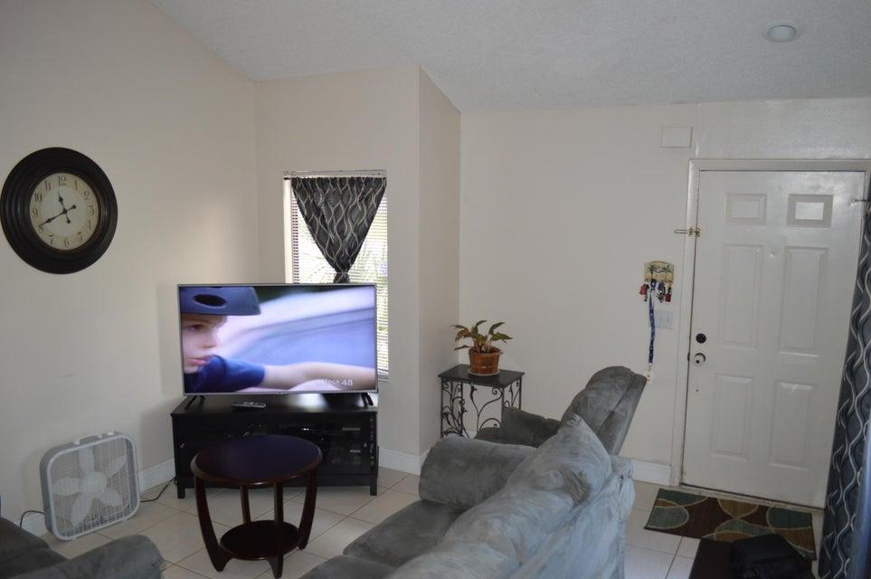 4208 Palm Bay Circle A  West Palm Beach, FL 33406