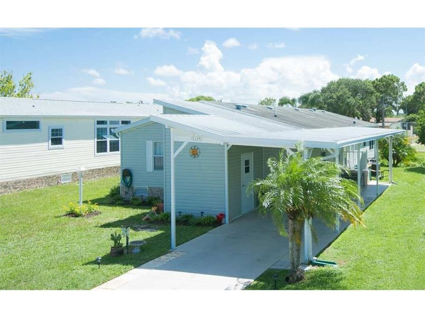 Mobile / Manufactured for Sale at 1119 Barefoot Circle 1119 Barefoot Circle Barefoot Bay, Florida 32976 United States