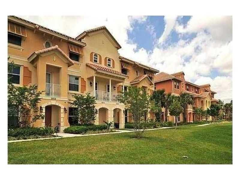 Townhouse for Rent at 3913 Monarch Lane Coconut Creek, Florida 33073 United States