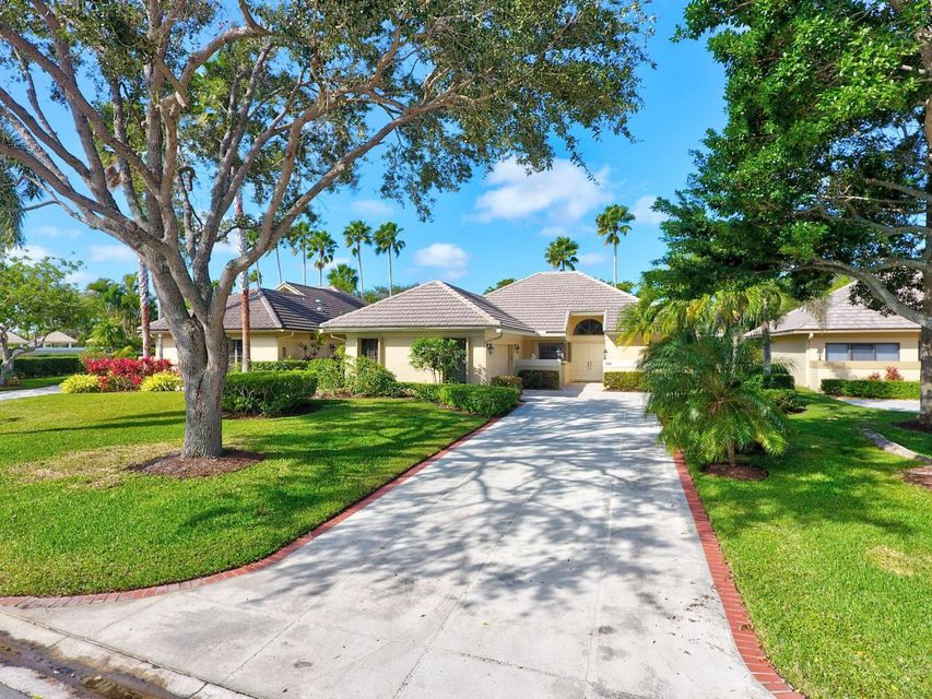 144 Coventry Place , Palm Beach Gardens FL 33418 is listed for sale as MLS Listing RX-10395232 34 photos