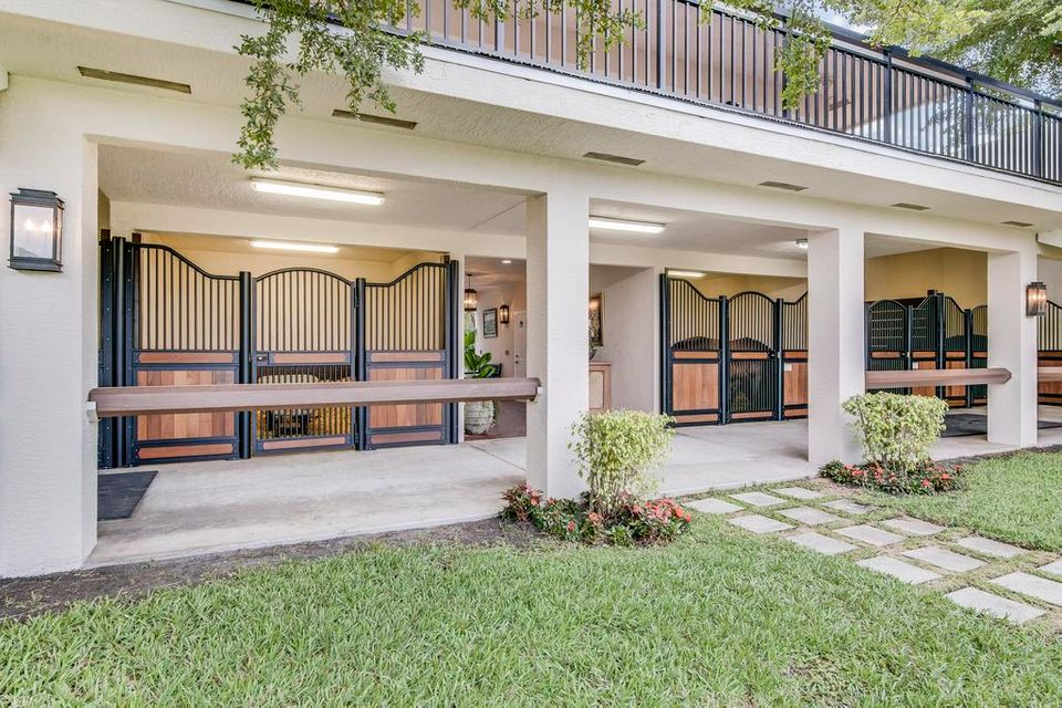 Single Family Home for Sale at 3405 Olde Hampton Drive 3405 Olde Hampton Drive Wellington, Florida 33414 United States