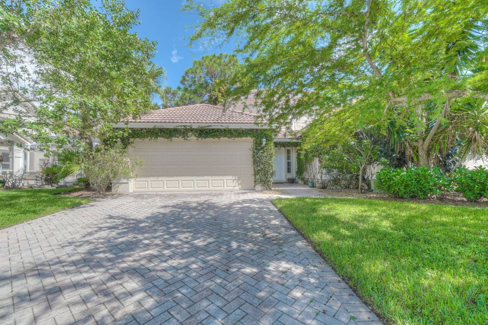106 Lone Pine Lane - Palm Beach Gardens, Florida
