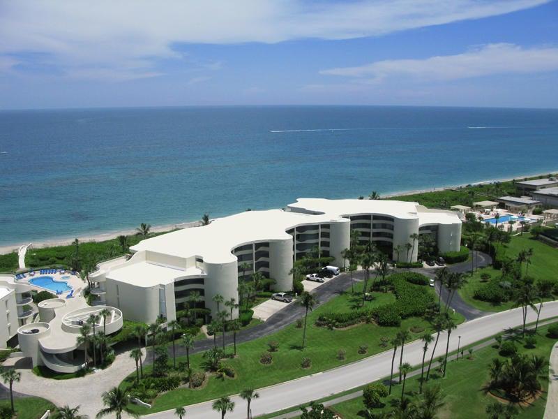 共管式独立产权公寓 为 销售 在 2001 SE Sailfish Point Boulevard # 307 2001 SE Sailfish Point Boulevard # 307 斯图尔特, 佛罗里达州 34996 美国
