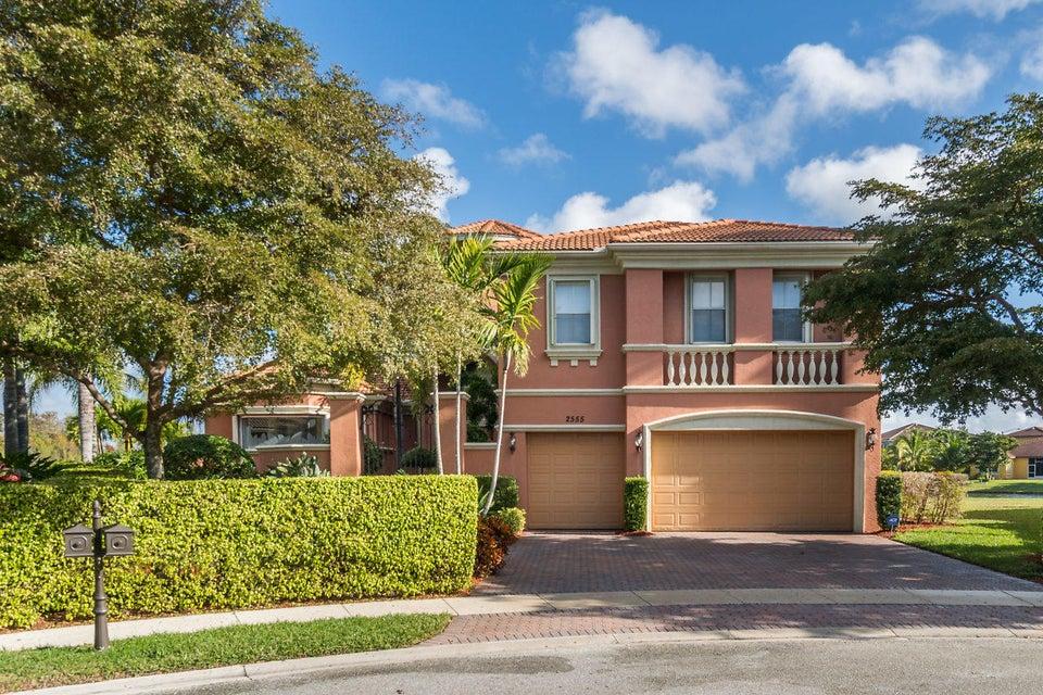 2555 Treanor Terrace Wellington, FL 33414 photo 2