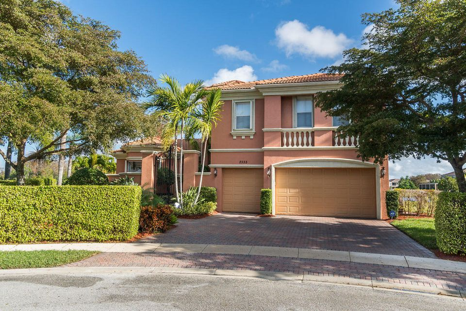 2555 Treanor Terrace Wellington, FL 33414 photo 3