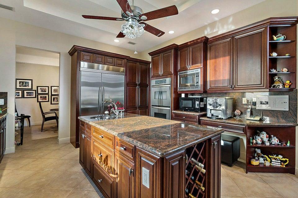 2555 Treanor Terrace Wellington, FL 33414 photo 16