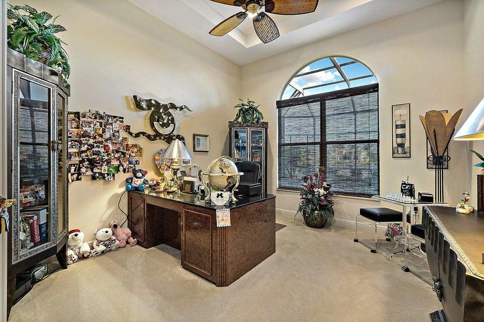 2555 Treanor Terrace Wellington, FL 33414 photo 18