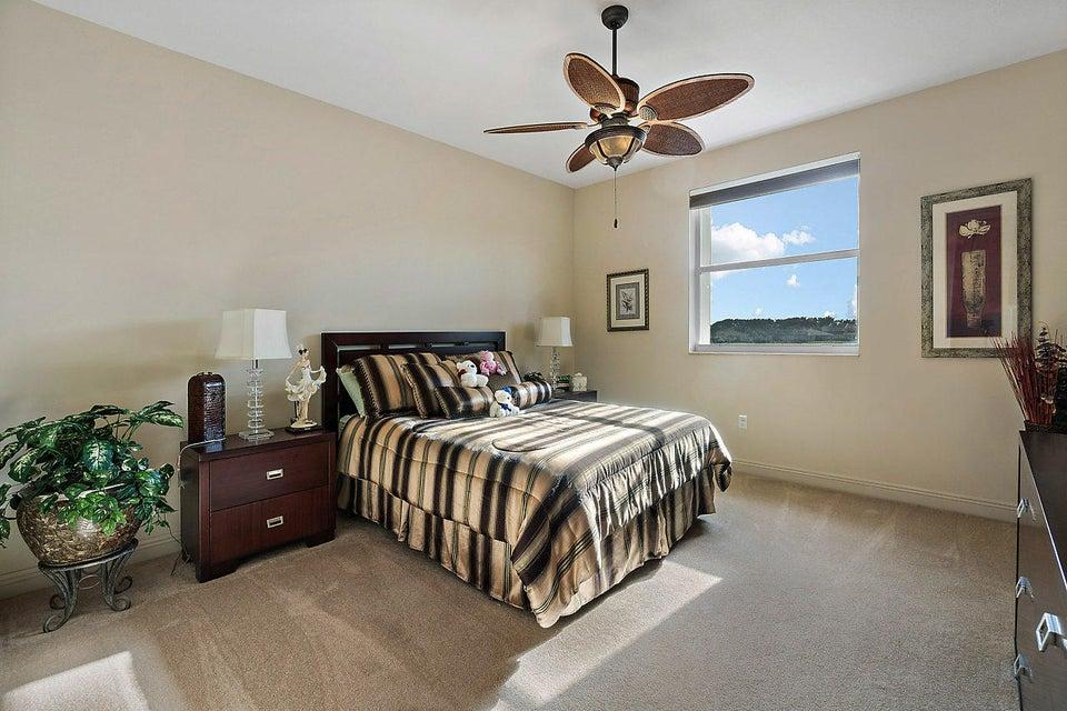 2555 Treanor Terrace Wellington, FL 33414 photo 27