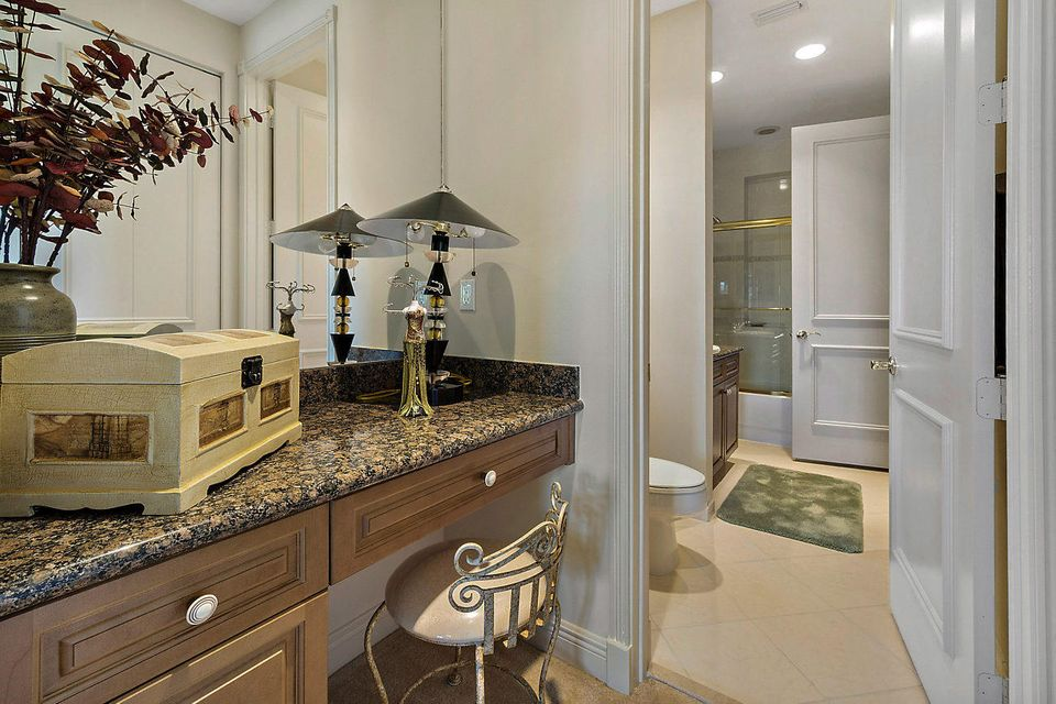 2555 Treanor Terrace Wellington, FL 33414 photo 29