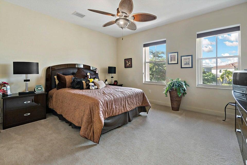 2555 Treanor Terrace Wellington, FL 33414 photo 31