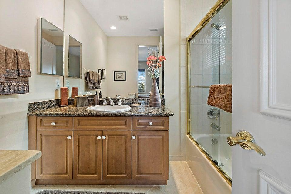 2555 Treanor Terrace Wellington, FL 33414 photo 32