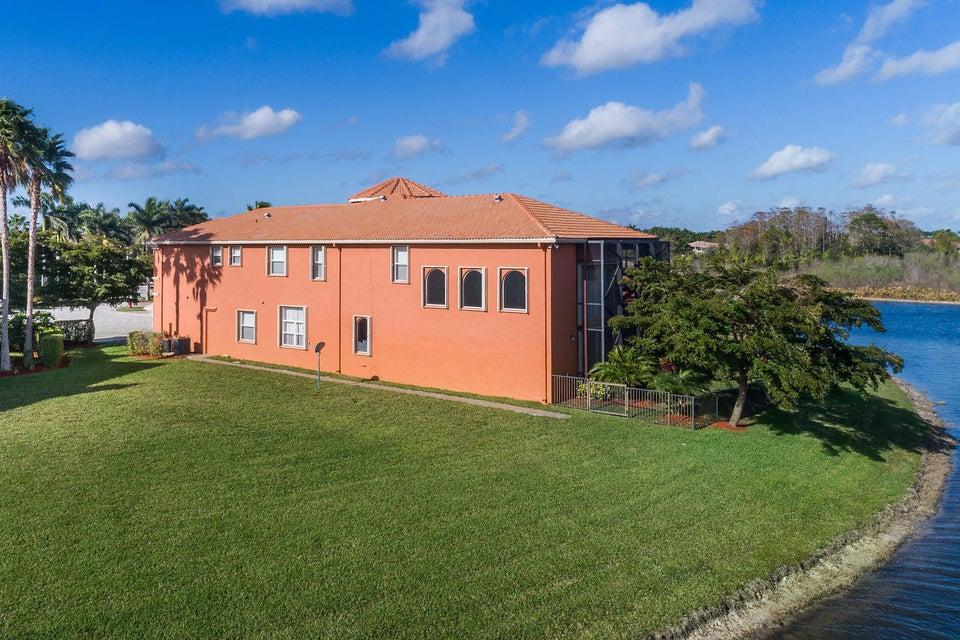 2555 Treanor Terrace Wellington, FL 33414 photo 39