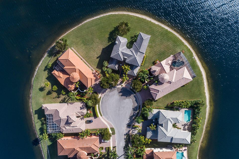 2555 Treanor Terrace Wellington, FL 33414 photo 48